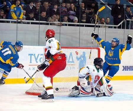 хоккей, хоккеисты на льду